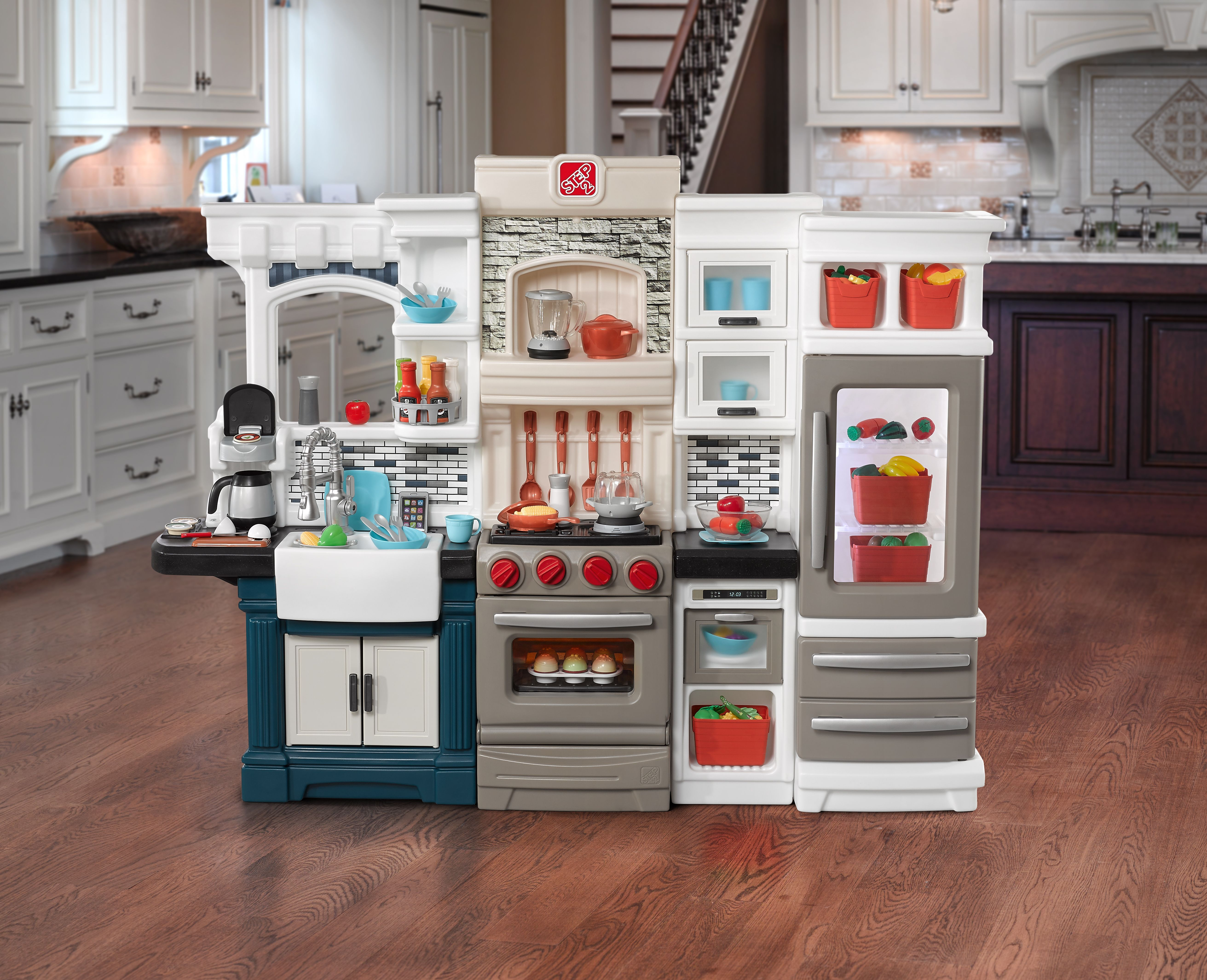 Step 2 GRAND LUXE KITCHEN™ Giveaway Play kitchen sets