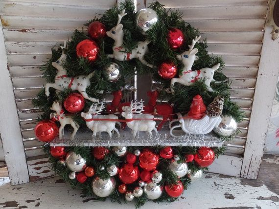 Vintage Santa Claus Is Coming To Town Red by CindysCozyClutter
