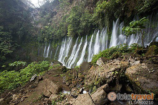 Venta de fotos e imágenes de Cascada Chorros de La Calera, cerca ...