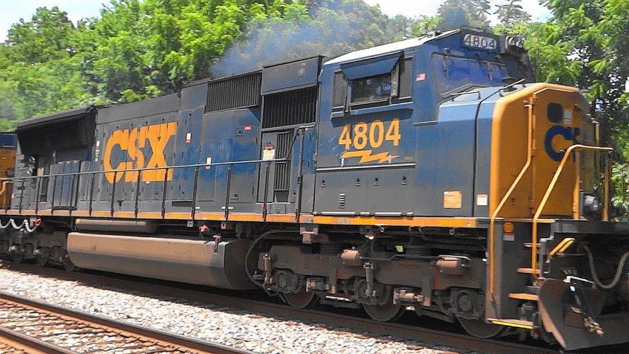 CSX Mixed Freight Train Q389 With An EMD SD70MAC Engine
