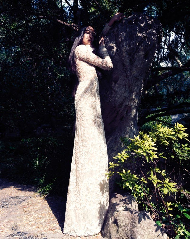 cici xiang model5 Cici Xiang Enchants for Stockton Johnson in Harpers Bazaar Vietnam
