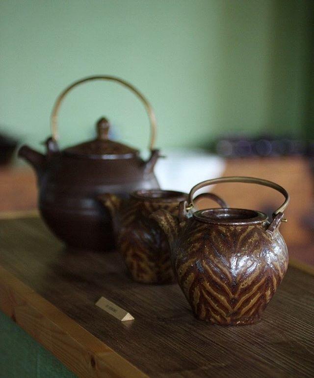 JO SUSUMU teapot . . . www.daunjae.com . . . #다운재 #갤러리다운재 #대관문의 #그릇 #그릇스타그램 #도자기 #도예 #티스타그램 #도소매문의 #陶磁器…