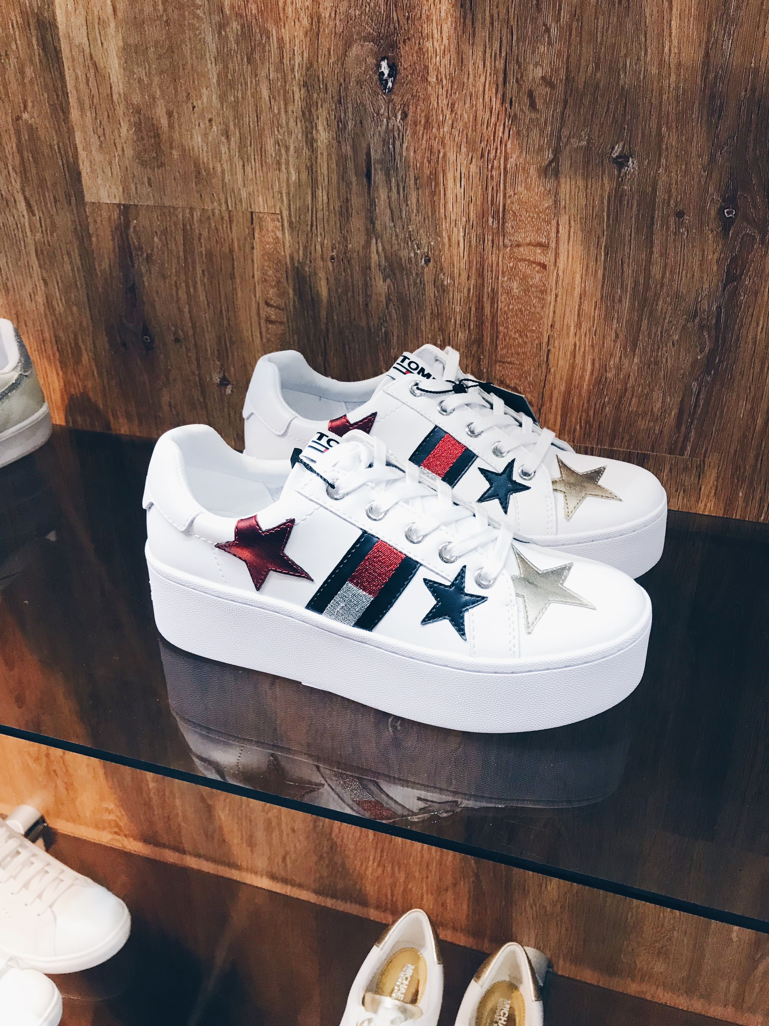 Tommy shoes, Trainers women, Tommy hilfiger
