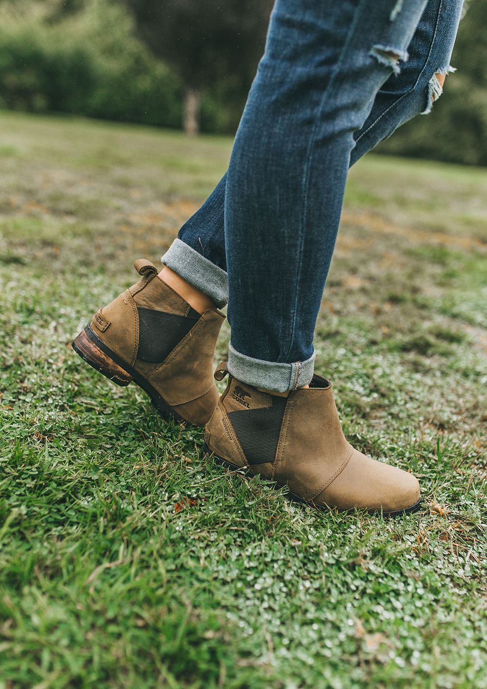 The Best Waterproof Chelsea Boots Livvyland Dressing Up In