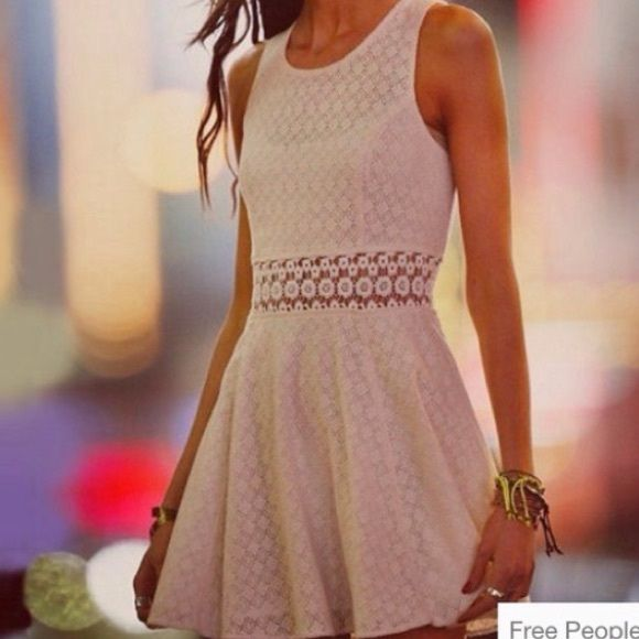 Free people dress Beautiful lace white dress can be worn dressed up or down, in great condition only worn once for a couple hours - size 10 but I'd say it can fit a 6-10 Free People Dresses