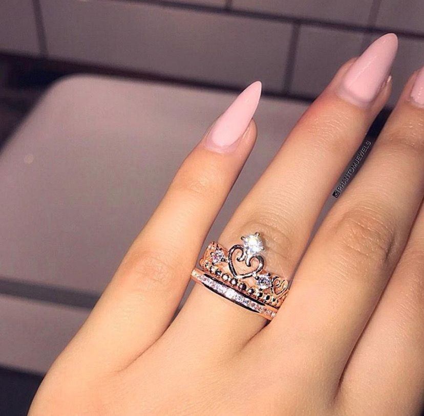 Pin by Carla on Bague | Engagement ring white gold, Unique rings ...