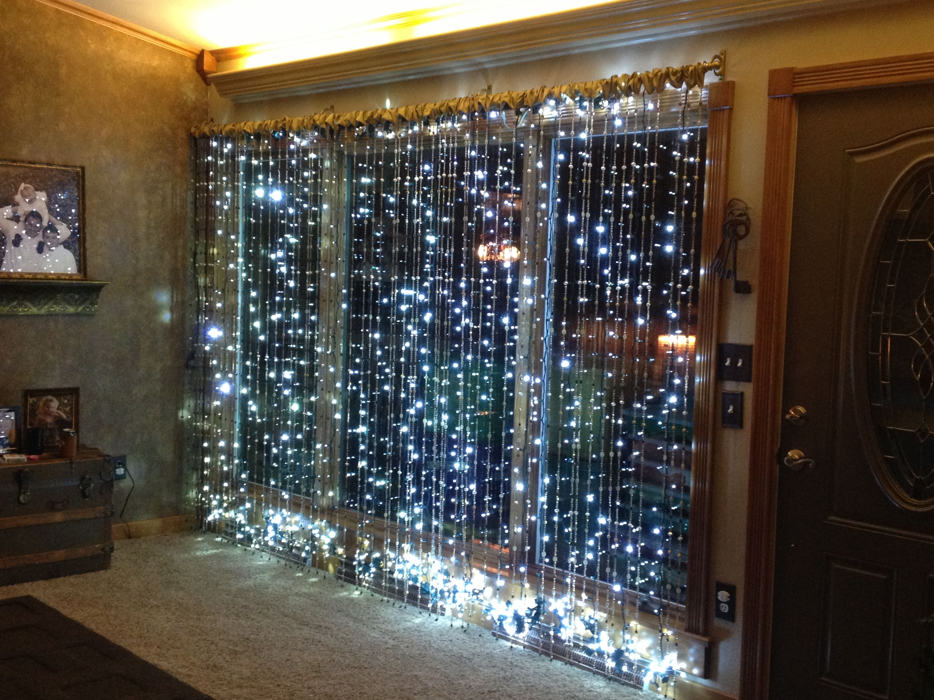 Lighted Christmas Window Using Electrical Bars And Led Lights Christmas Window Christmas Window Decorations Christmas Deco