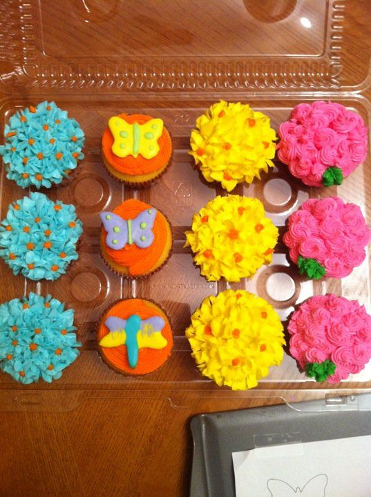 flower cupcakes...