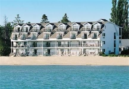 Quality Inn And Suites Mackinaw City 2 Star Hotel 81 Hotels Unitedstatesofamerica Mackinawcity Mackinaw City Hotels Mackinaw City Beachfront Hotels