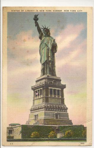 The Statue Of Liberty Manhatten Postcard Publishing Co. Colourpicture VTG PC