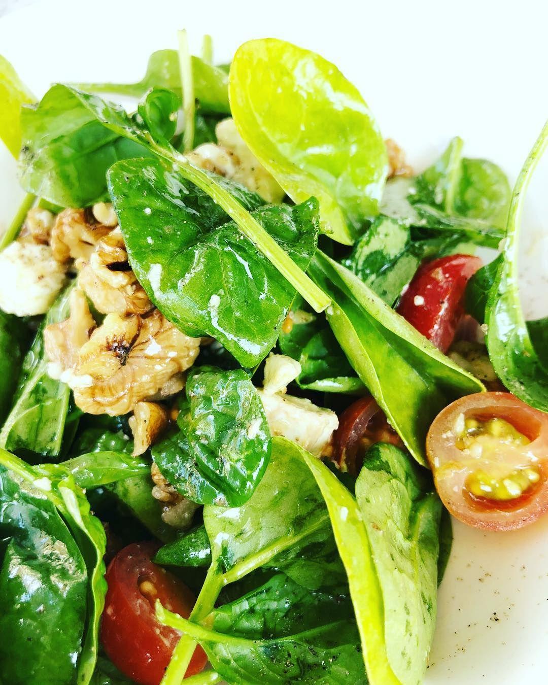 Our summer salad  Baby spinach leaves goats cheese walnuts cherry tomatoes served with a house vinaigrette.  #salad #sumner #newmenu #healthy #glutenfree #vegetarian #stvilla #stalbans #food #alacarte #lunch #dinner #stalbans #hertfordshire #mediteranean #foodstagram #eatwithyoureyes #independent #restaurant #cocktailbar
