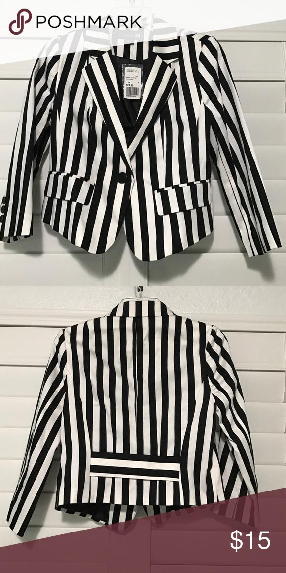Forever 21 Striped Blazer - Medium - Brand new! Forever21 striped, 3/4 sleeve blazer in size medium. Brand new Forever 21 Jackets & Coats Blazers