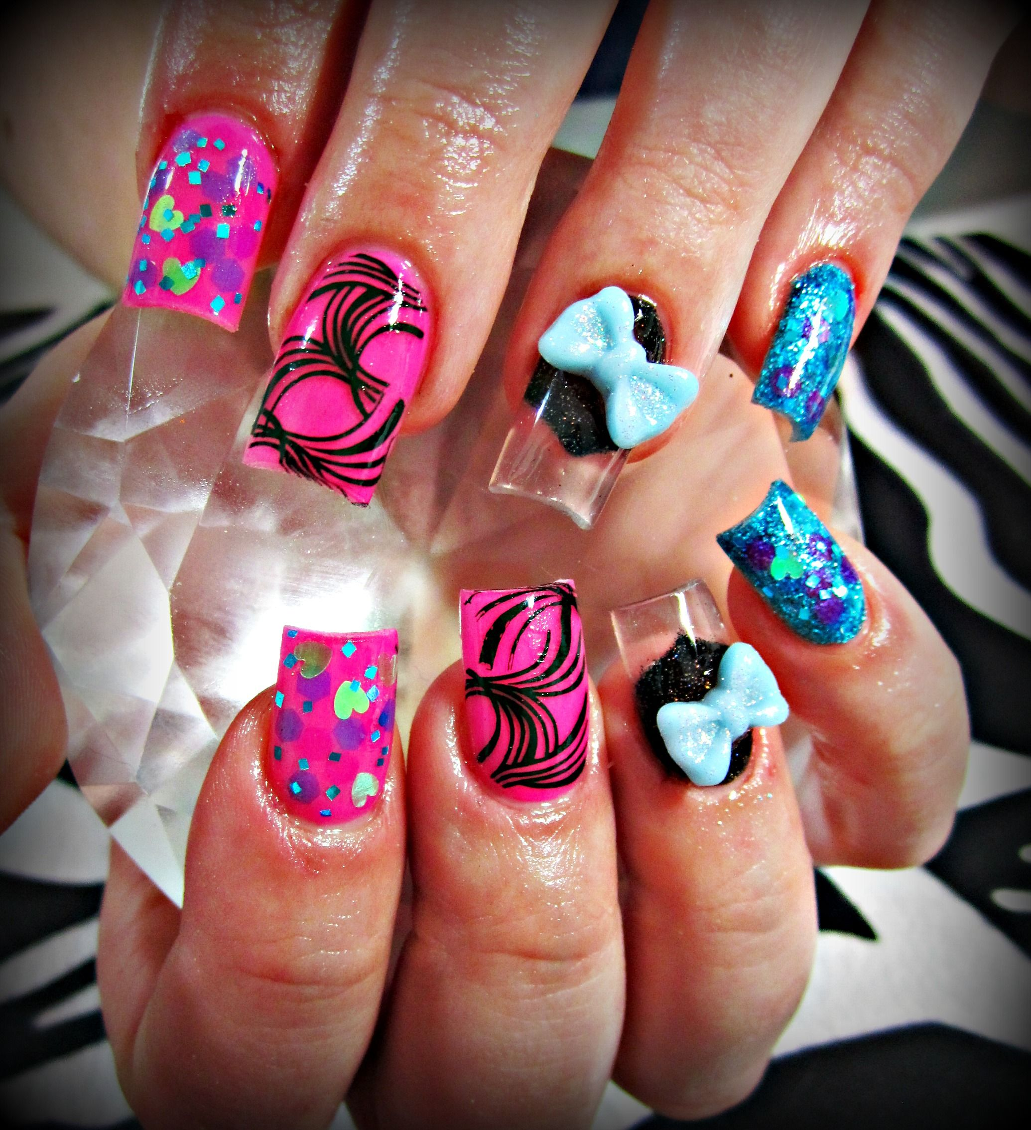 Bubble Gum Nail Art: Bubble Gum Swirl Acrylic Nails