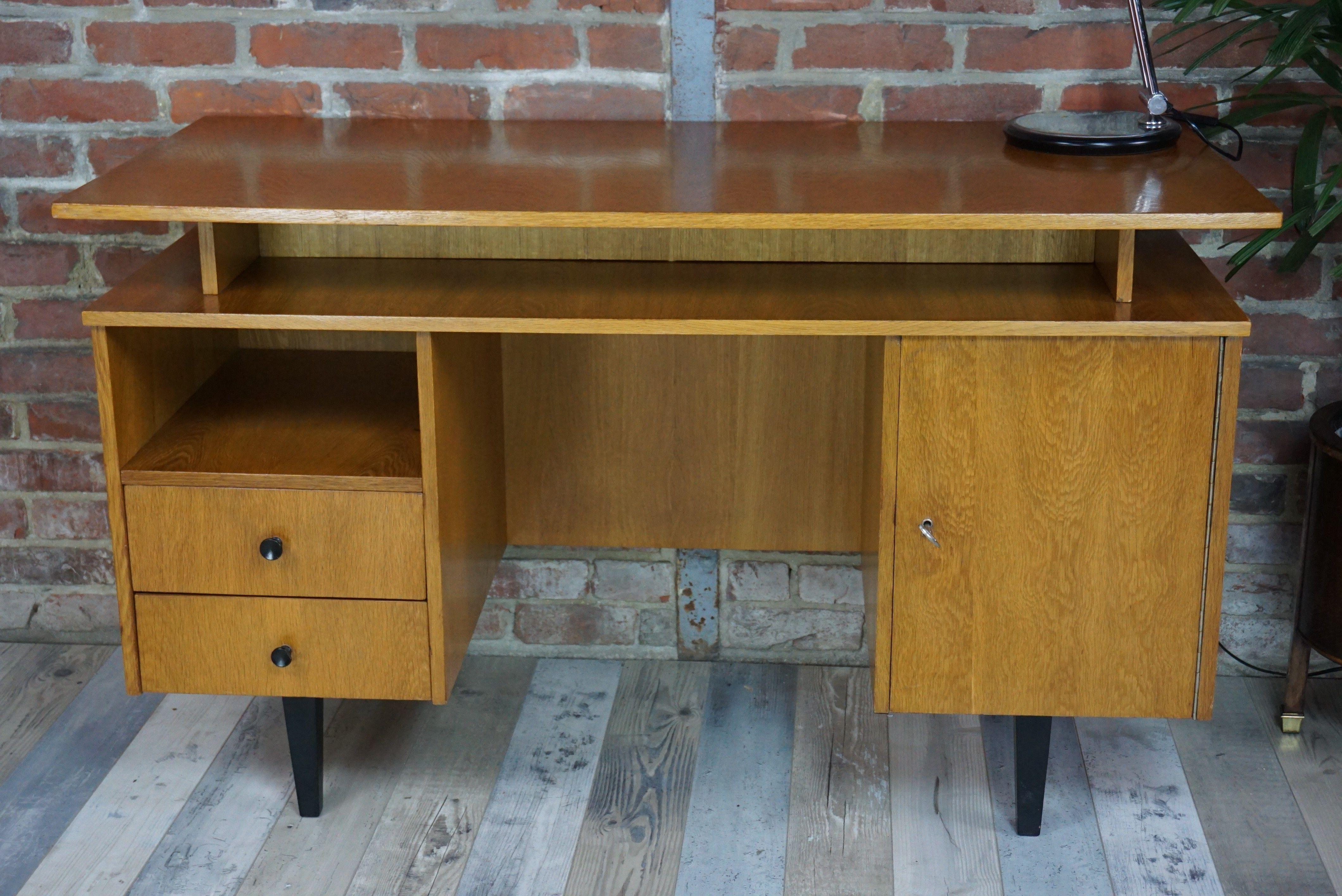 Bureau Annees 60 Style Scandinave D Occasion Vintage Design Scandinave Industriel Ancien Vendu Sur Colle Salle A Manger Ikea Meuble Style Industriel Bureau