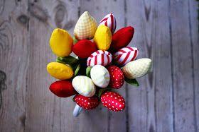 Tulipany Z Materialu Szyte Tulipany Dekoracje Na Swieta Tulipany Diy And Crafts Flower Power Crafts