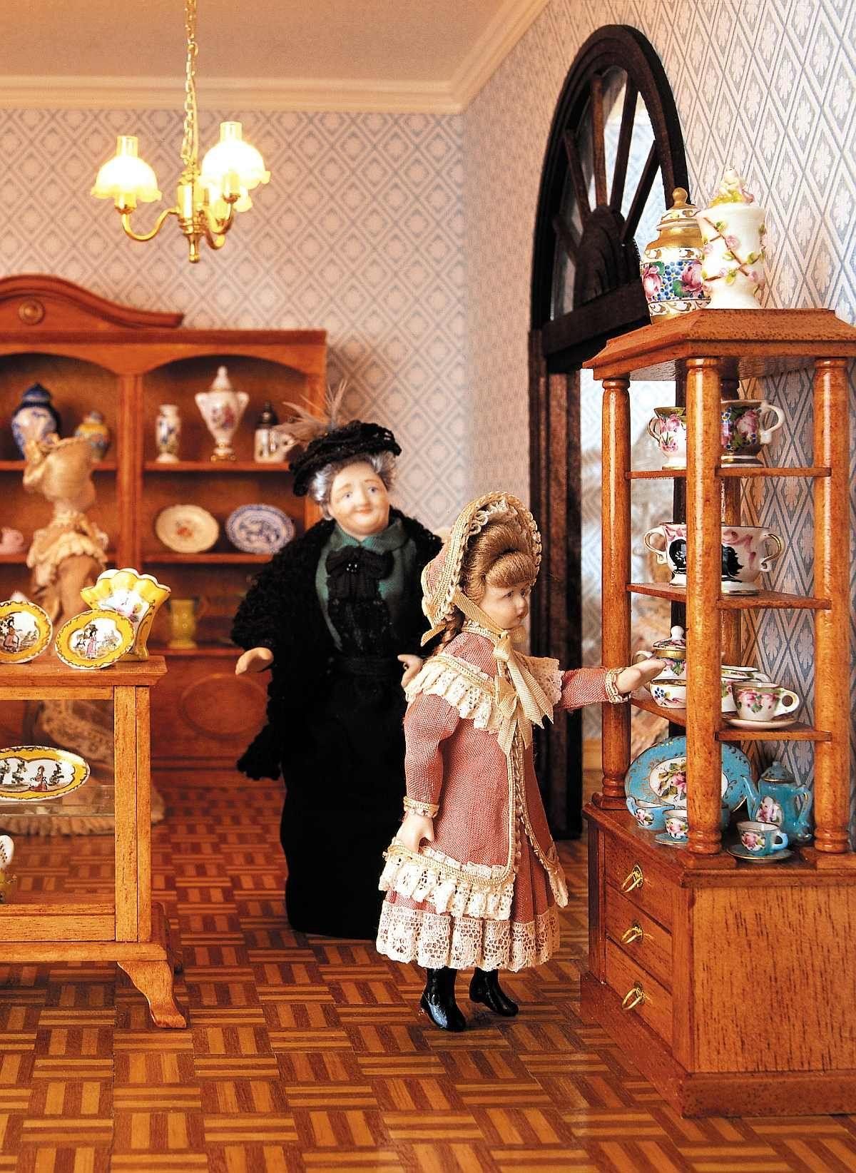 die porzellan abteilung im gr ten miniatur kaufhaus der welt miniaturas pinterest. Black Bedroom Furniture Sets. Home Design Ideas