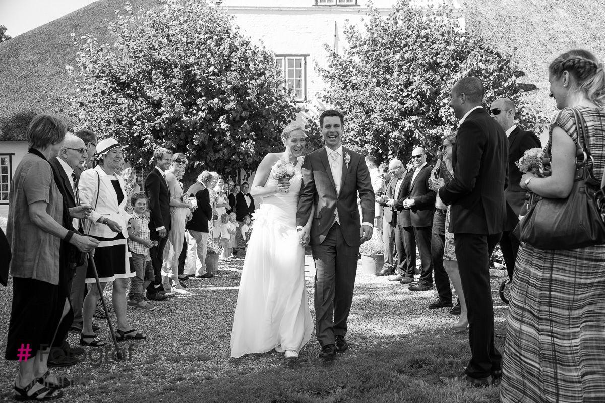 Trauung Sankt Peter Ording In 2020 Hochzeitskleider Spitze Hochzeitsfotograf Hochzeitsfoto Standesamt