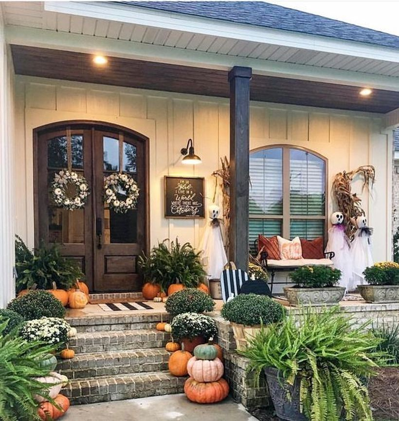 21 Fabulous Fall Front Porch Decoration Idea Just for You #fallfrontporchdecor