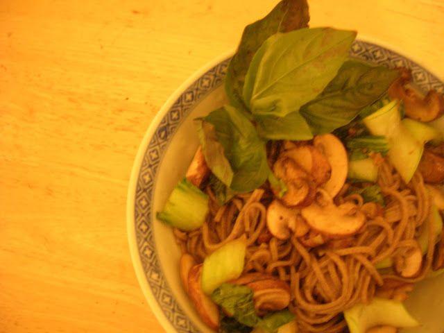 Two Blue Lemons: Bok Choy & Mushroom Noodle Bowl. Lime curry sauce, neat!