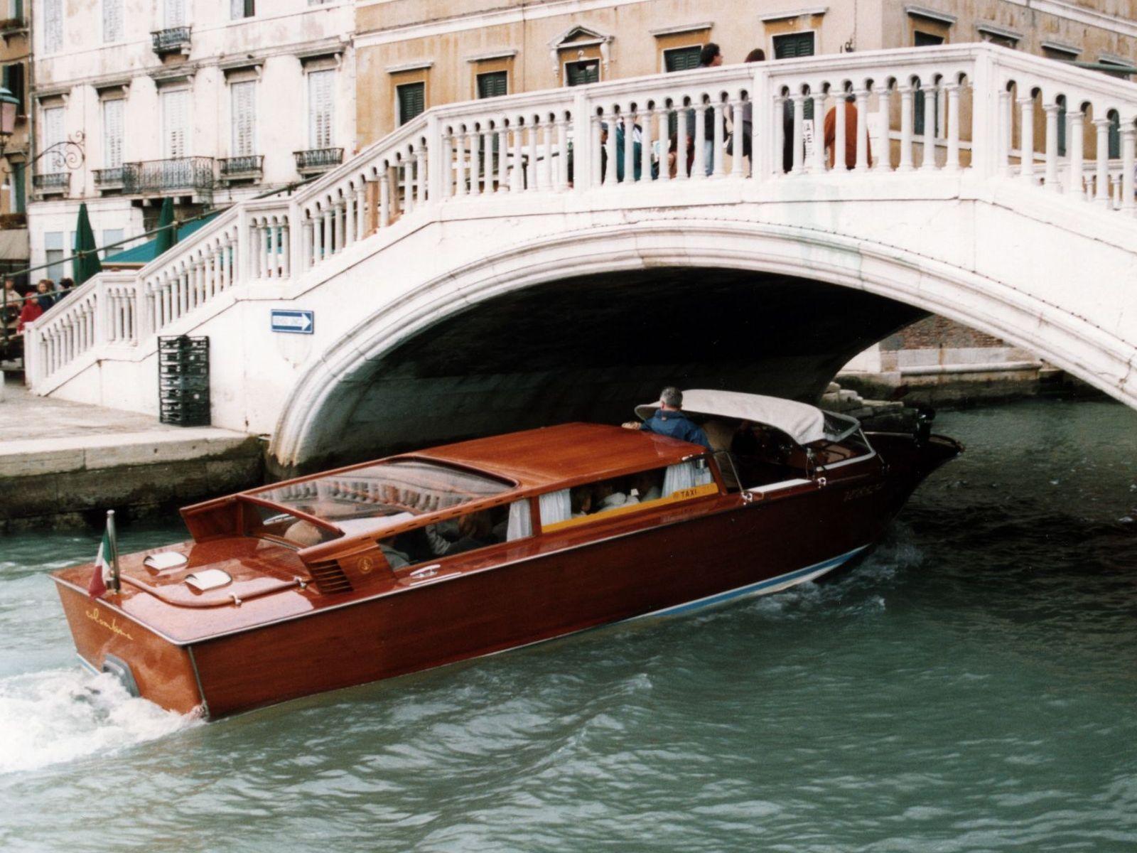 bateau taxi venise