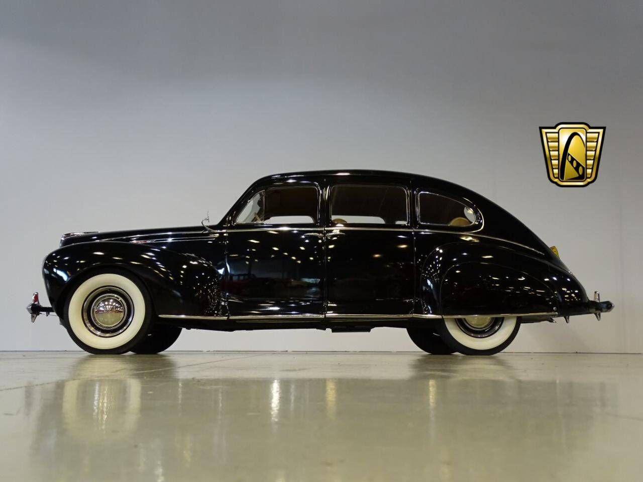 1940 Lincoln Zephyr sedan