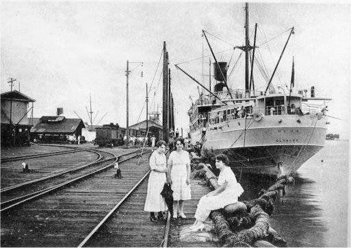 Muelle Metálico, inicios del Siglo XX