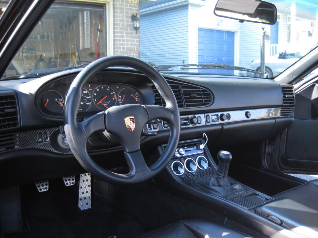 For sale 1986 porsche 944 turbo well loved pelican for Porsche 944 interieur