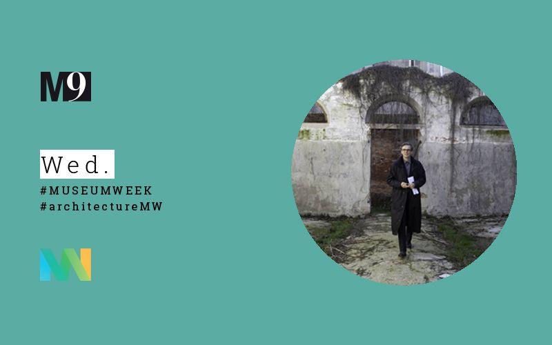 Matthias Sauerbruch dello studio Sauerbruch Hutton durante uno dei primi soprallughi nell'area. Sarà il suo studio a vincere il concorso per M9.  Fondazione di Venezia, foto ORCH/orsenigo_chemollo. #museum #museo #architettura #architecture #venice #venezia #mestre