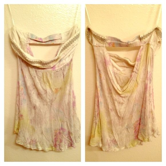 Free People embellished open-back Tube Strapless flowing tube top with embellished hem and a beautiful open back. Light floral pattern over smooth cotton fabric. Great over skinny jeans and hair in a bun for a night out! Worn once only. Excellent condition! Fits xs-s Free People Tops