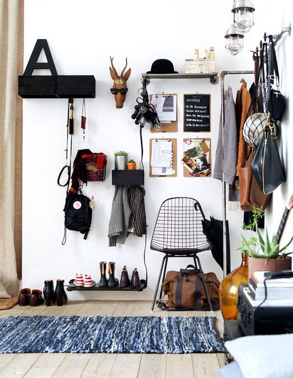 10 tips for styling a small space the edit camera da for Entrate case moderne