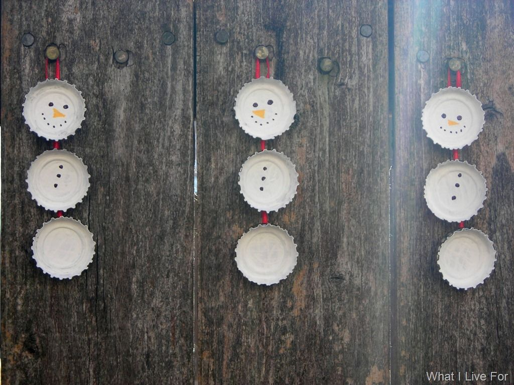 Bottle top snowmen ornaments - so simple