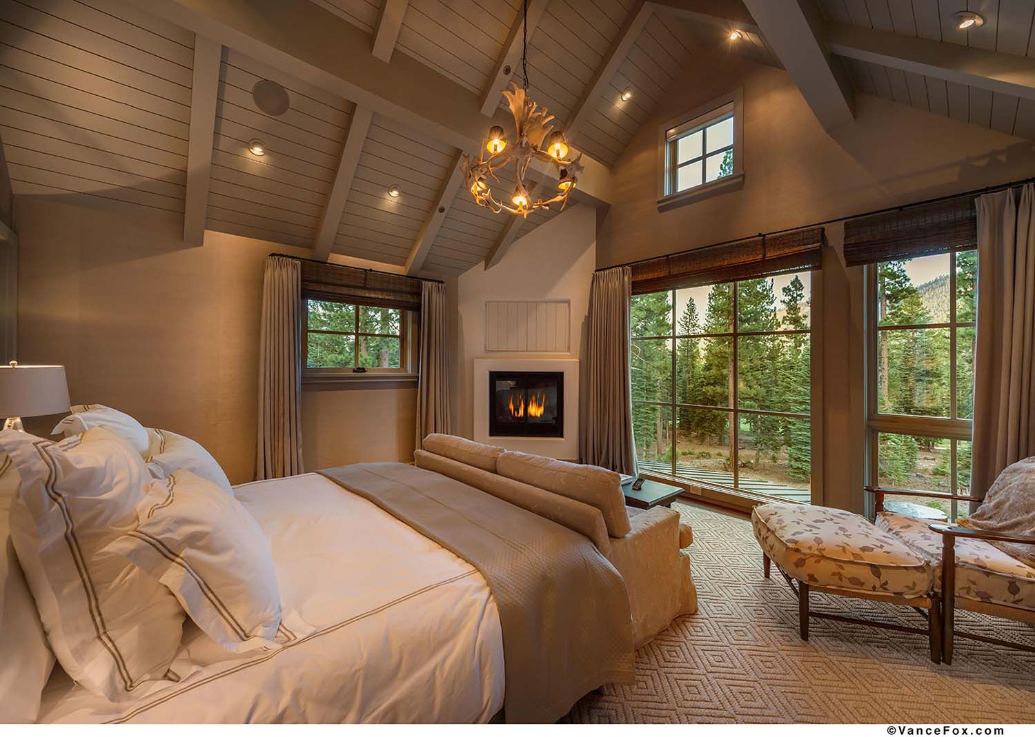 warm and cozy mountain style farmhouse nestled in the on modern cozy mountain home design ideas id=30528