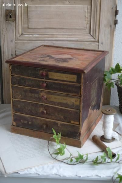 Petit meuble ancien de mercerie  Brocante de charme atelier cosy.fr