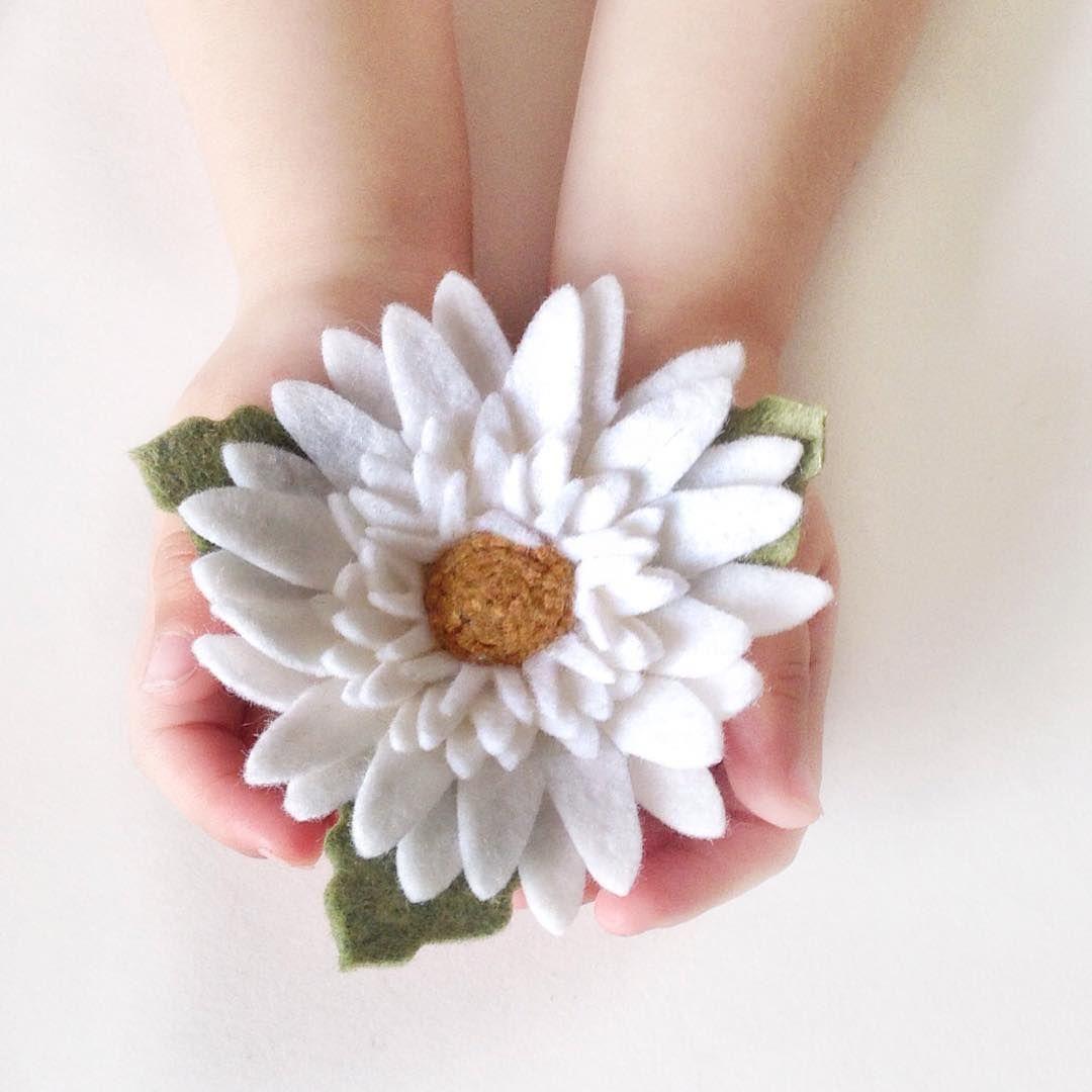 Pin By Kay Hart On Felt Flowers Pinterest Flower Brooch Felt