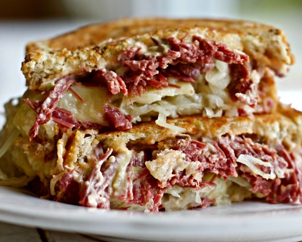 How To Cook Corned Beef For Reuben Sandwiches