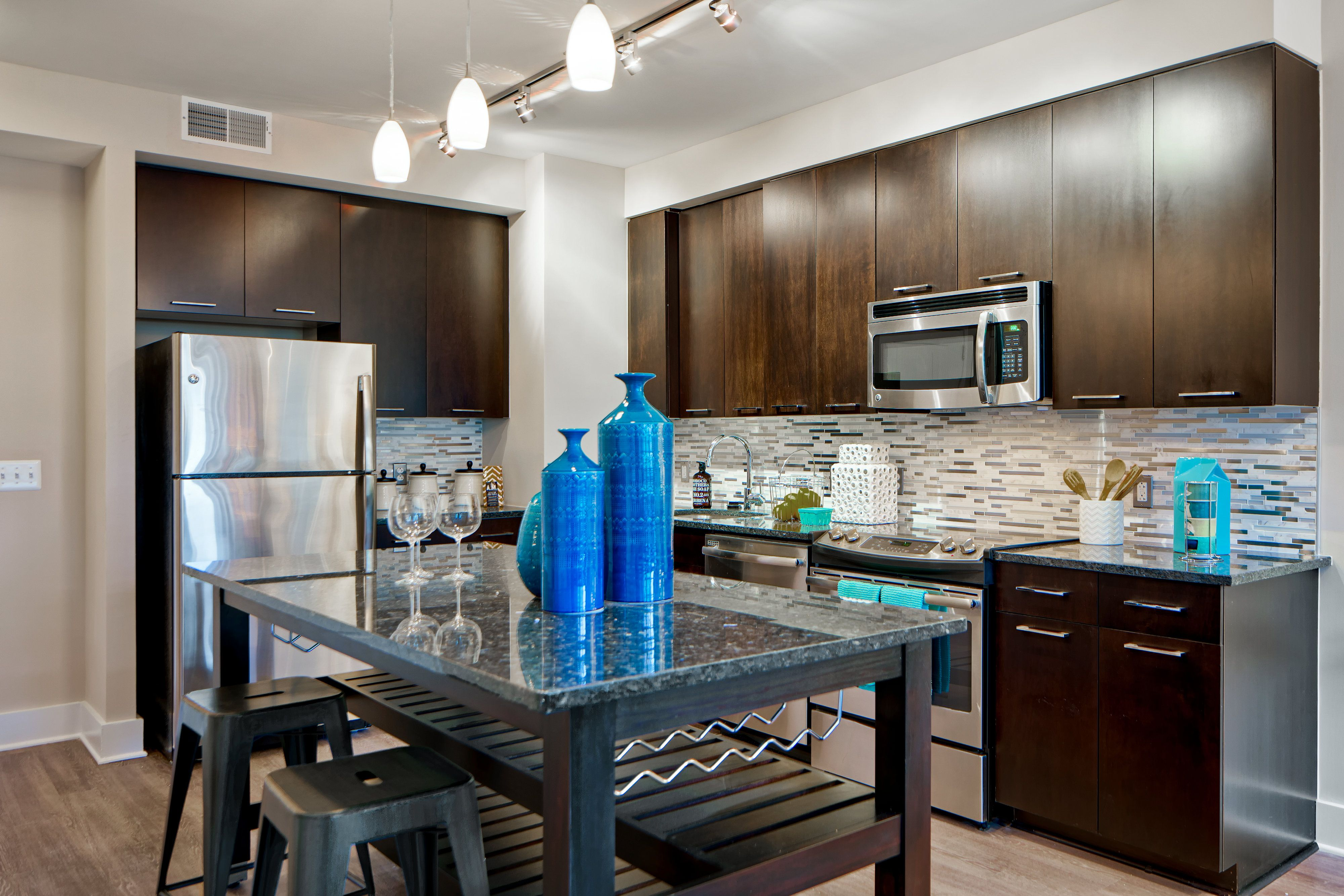 chic kitchen design in our one bedroom apartment home at