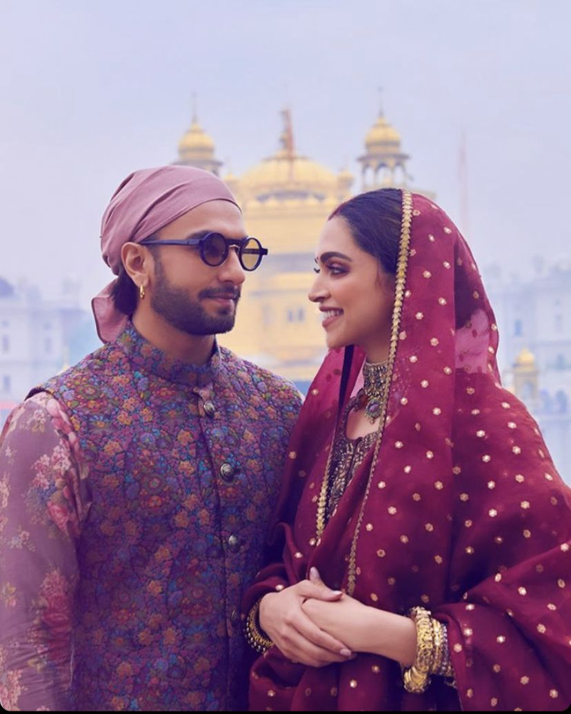 Deepika Padukone And Ranveer Singh Seek Blessings At Golden Temple On Their First Wedding Anniversary Hungryboo Bollywood Celebrities Deepika Padukone Style Deepika Padukone