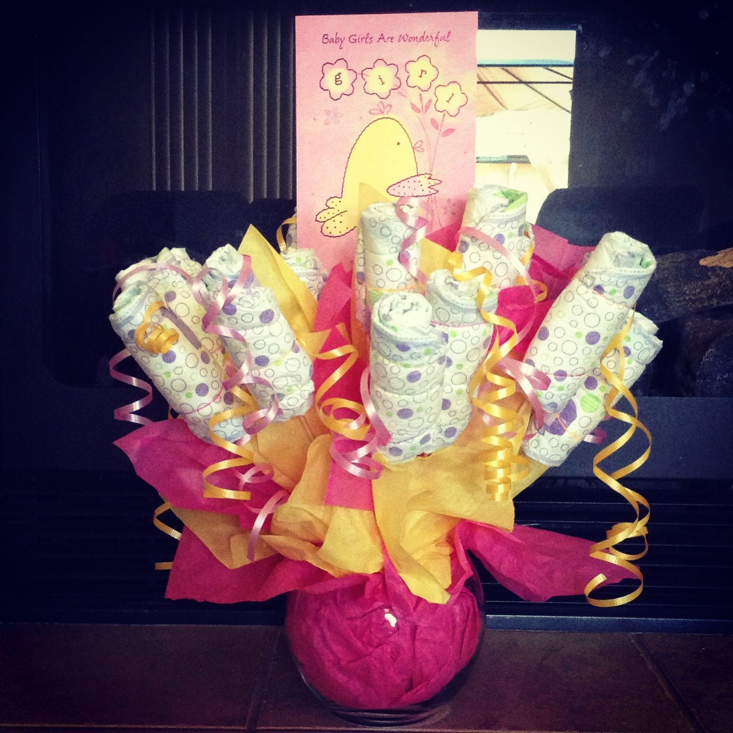 DIY diaper flower bouquet! Made this gift to give my friend after ...