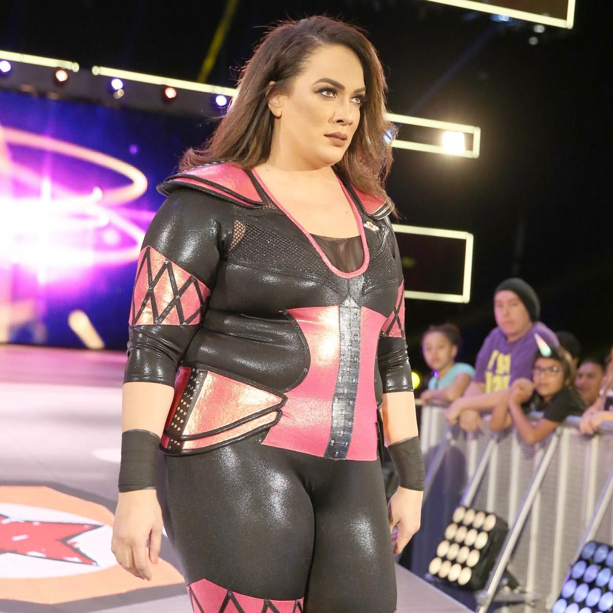 nia jax deutsch