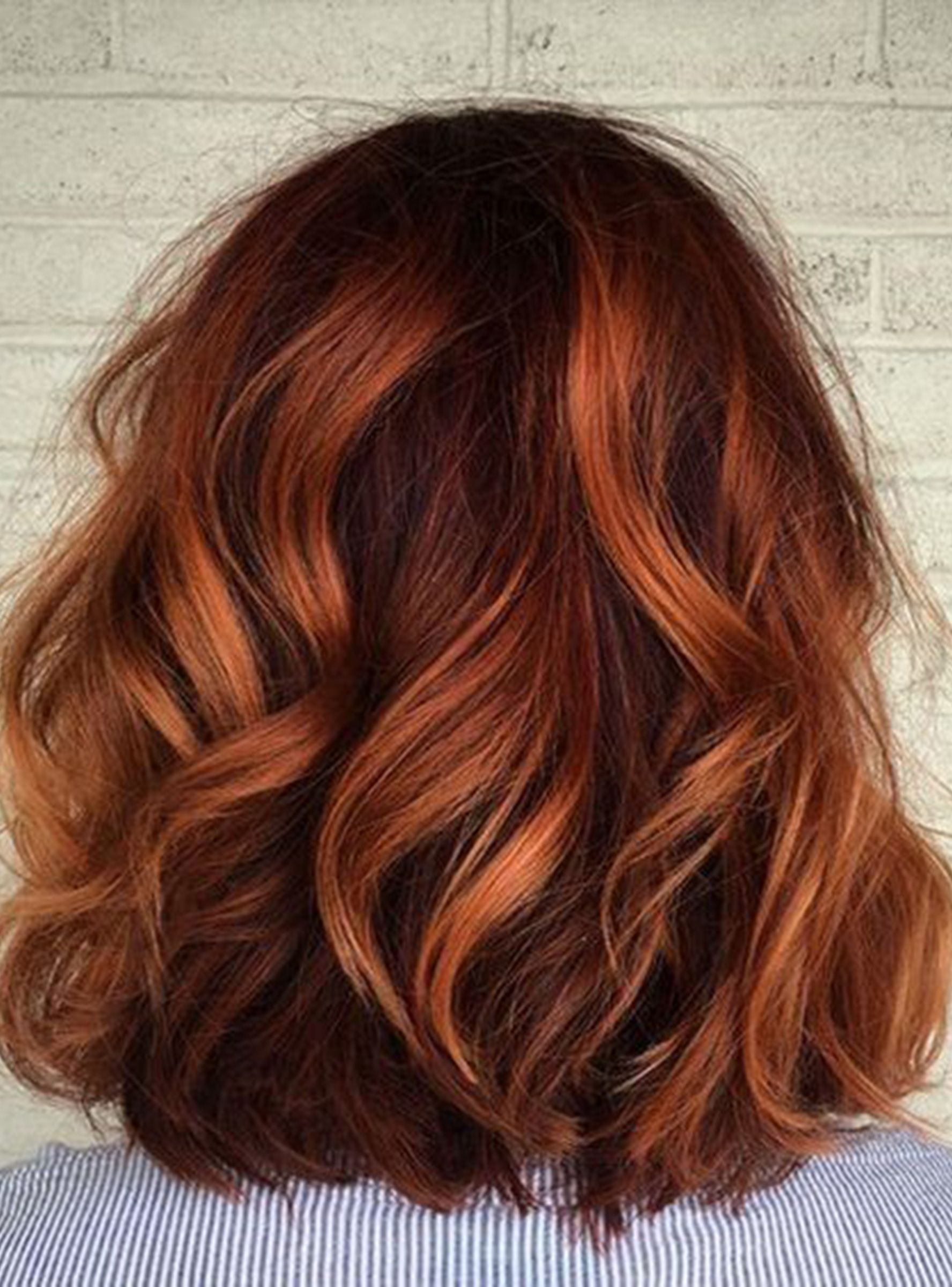 This London Hair Color Trend Makes Growing Out Highlights So Easy