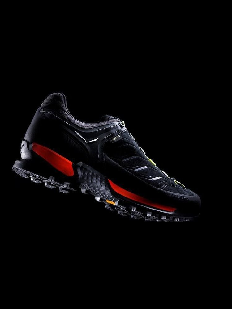 For Toughest Terrains Salewa Men S Mountain Trainer Gtx Alpine Trekking Shoe Hiking Shoes Trekking Shoes Nubuck Leather