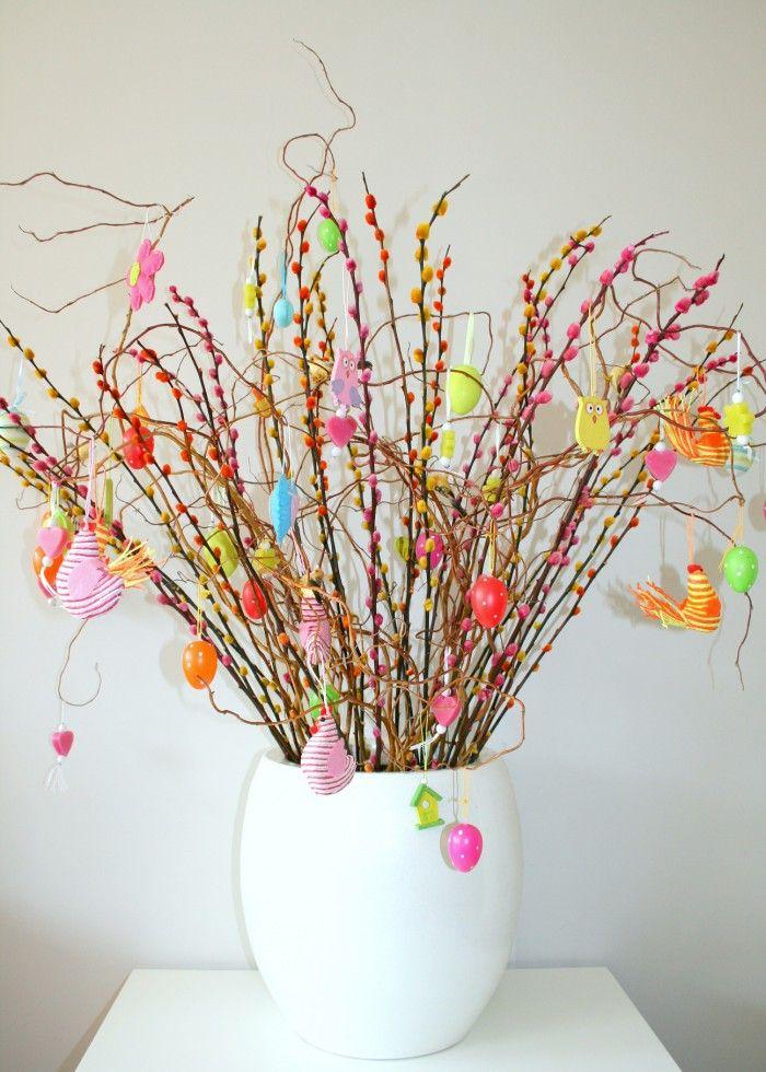 Vrolijke paasboom lenteboom voor in huis fijne paasdagen for Decoratie knutselen