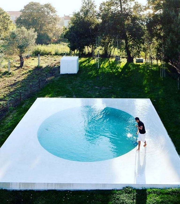 55 Amazing Small Swimming Pool For Your Small Backyard Swimmingpools Swimmingpooldesigns Backyardideas Pool Designs Round Pool Cool Pools