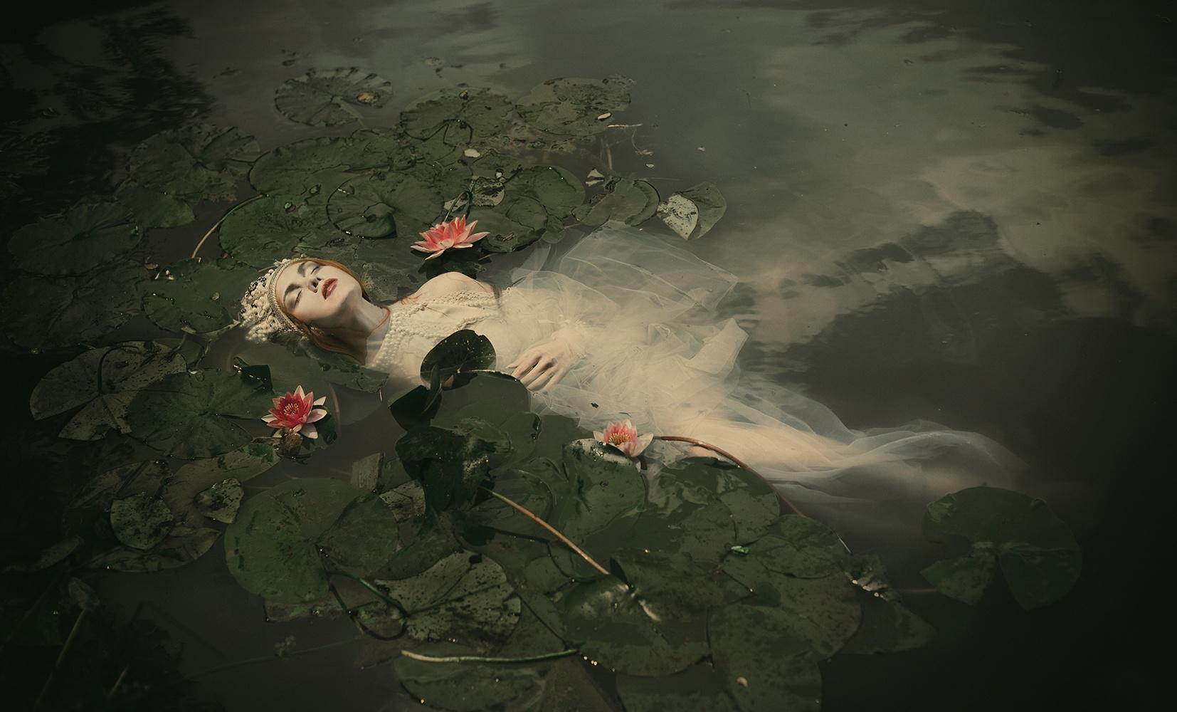 "The Look: Dorota Górecka, ""Ophelia"""