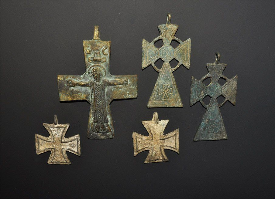 Lot: Byzantine Style Bronze Pectoral Pendant Cross Group, Lot Number: 0048, Starting Bid: £120, Auctioneer: TimeLine Auctions Ltd., Auction: TimeLine Auctions Antiquities & Collectibles, Date: April 6th, 2013 MSK