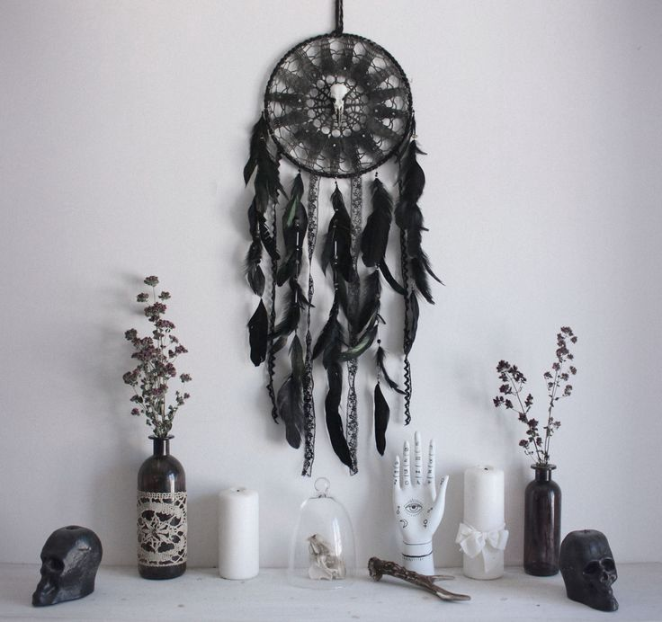 Photo of Top 8 Must have Ornaments for Gothic bedroom decor