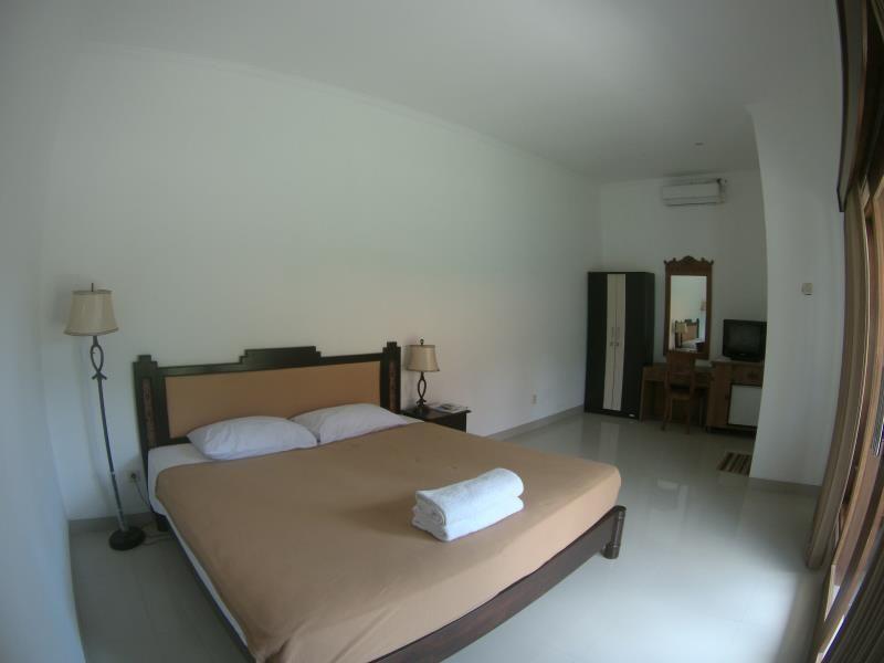 D Mel Sari Bali, Indonesia