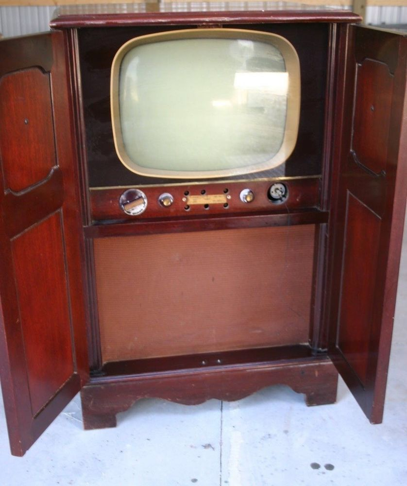 VINTAGE RCA VICTOR B W TELEVISION CABINET Feeling Nostalgic