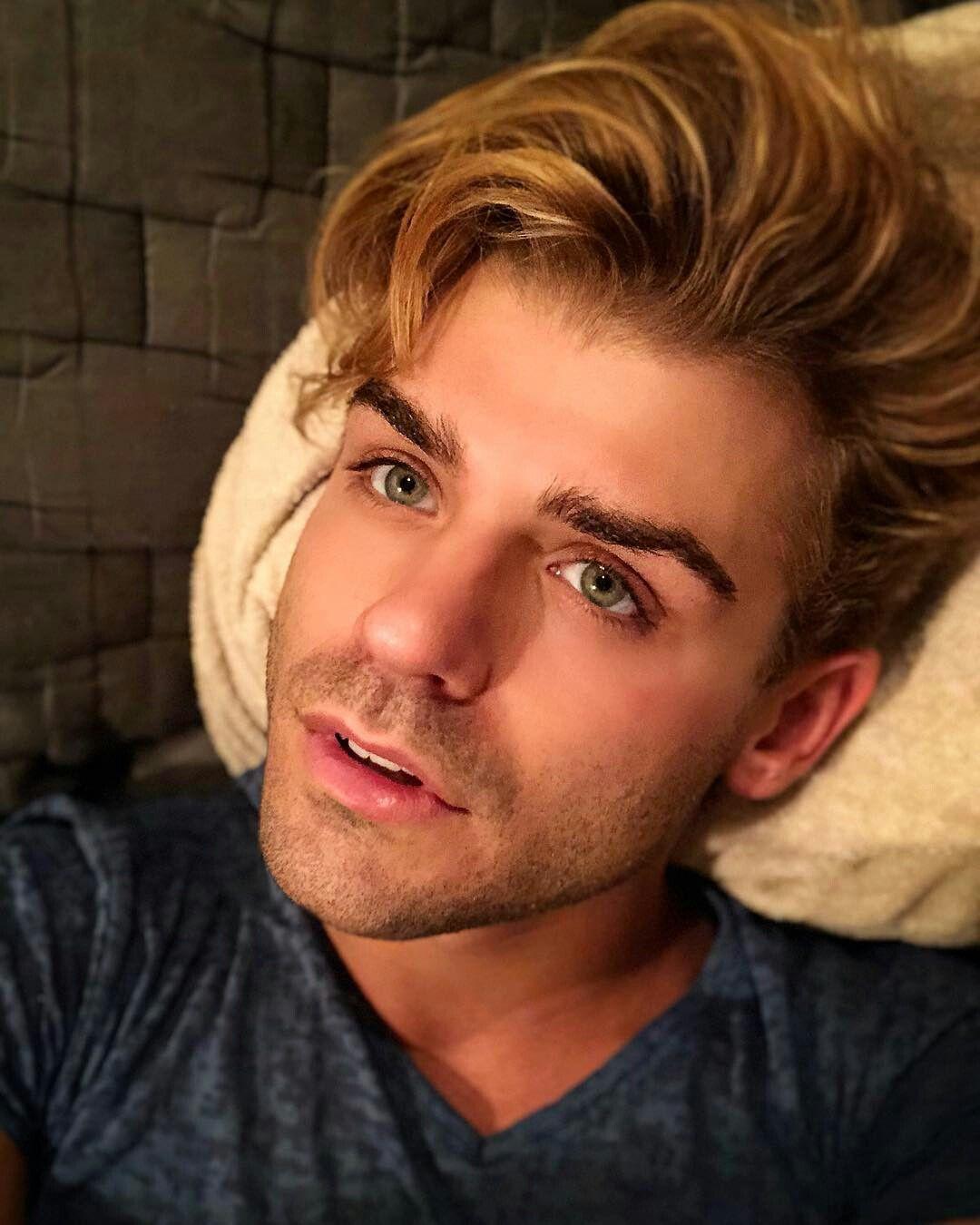 #GarrettClayton   Garrett clayton, Handsome, Cute guys