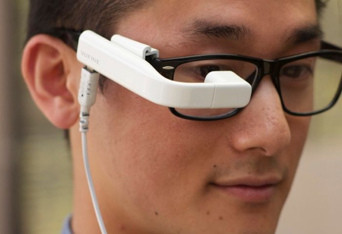 Vufine has created a new hands-free wearable display that provides a small display in front of your eyes offering a virtual screen with a resolution of 720p